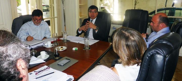 El Presidente del CNED, Pedro Montt; el Prorrector de la USACH, Jorge Torres y el académico de la USACH Nelson Paulus.